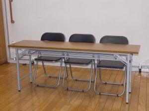英会話教室 自習室 新宿レンタルスタジオ 長机 椅子 セミナー